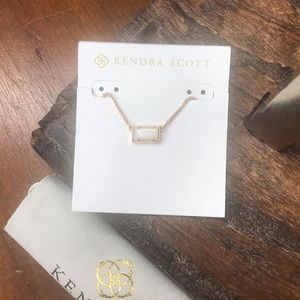 NWT Kendra Scott RSG Pattie Necklace in Ivory MOP!